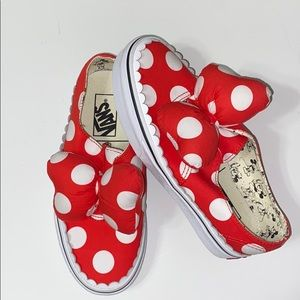Disney x Vans RETIRED Minnie Mouse Bow Slip Ons